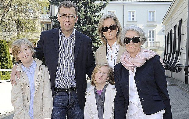 Maciej Orłoś pojawił się z żoną i dziećmi na śniadaniu wielkanocnym grupy