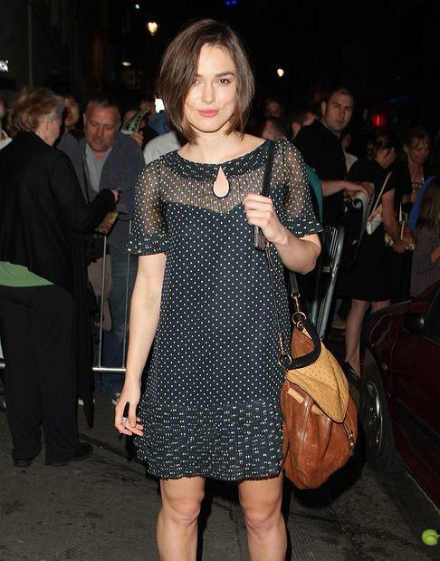 Keira Knightley w sukience w groszki