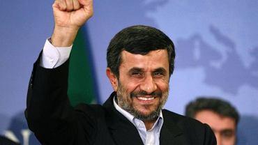 Prezydent Iranu Mahmud Ahmadineżad podczas wizyty w Stambule (9 maja 2011 r.)