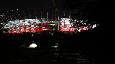 Próba iluminacji na Stadionie Narodowym