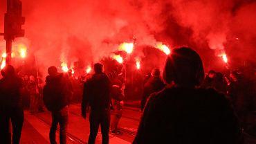 Manifestacja przeciwko marszowi narodowców