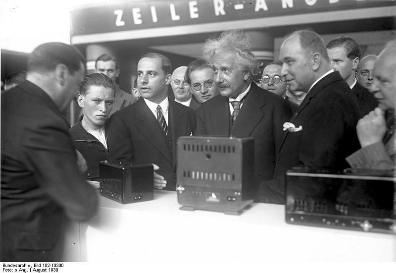 Otwarcie targów IFA przez Einsteina: rok 1930