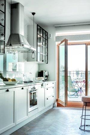 Kuchnia Z Oknem Balkonowym Budowa Projektowanie I Remont