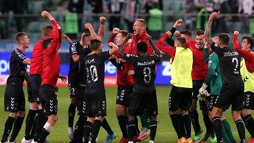Piłkarze Górnika cieszą się ze zwycięstwa w Warszawie po meczu z Legią