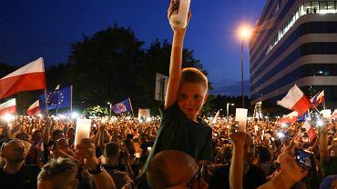 Dzieci na manifestacjach to bardzo powszechny widok.