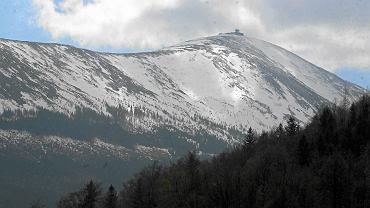GOPR uratował grupę ludzi, którzy na Śnieżkę wybrali się w samej bieliźnie.