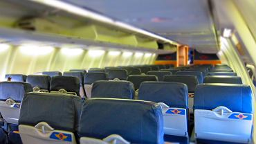 Piloci oskarżeni o podglądanie pasażerów w samolocie
