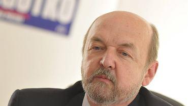 Ryszard Legutko skierował skargę do Europejskiej Rzecznik Praw Obywatelskich. uważa, że Donald Tusk, popierając Bronisława Komorowskiego, naruszył zasady określone w Europejskim Kodeksie Dobrej Administracji
