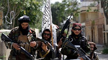 Talibańscy bojownicy w Kabulu