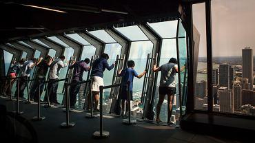 Atrakcja dla odważnych. Ruchome okno w Chicago
