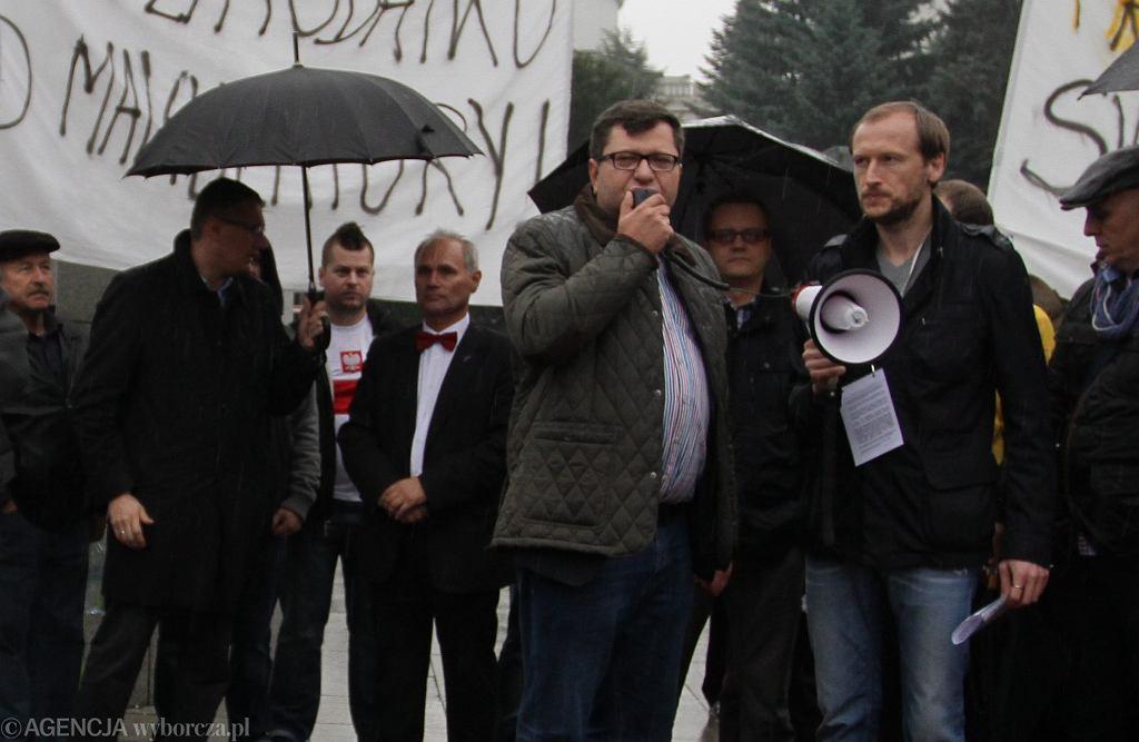 Zbigniew Stonoga podczas demonstracji drobnych i średnich przedsiębiorców pod Sejmem