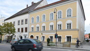 Dom, gdzie urodził się Adolf Hitler, zostanie zmieniony w komisariat policji (Braunau am Inn w północno-zachodniej części Austrii).