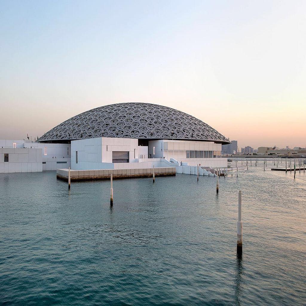 Louvre_Abu_Dhabi, projekt Jean'a Nouvela / Wikimedia Commons