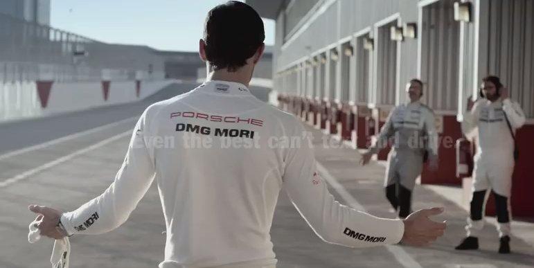 Mark Webber i Porsche przeciwko pisaniu smsmów w trakcie jazdy