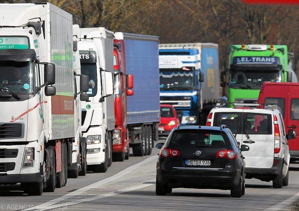 Tiry na autostradzie A6