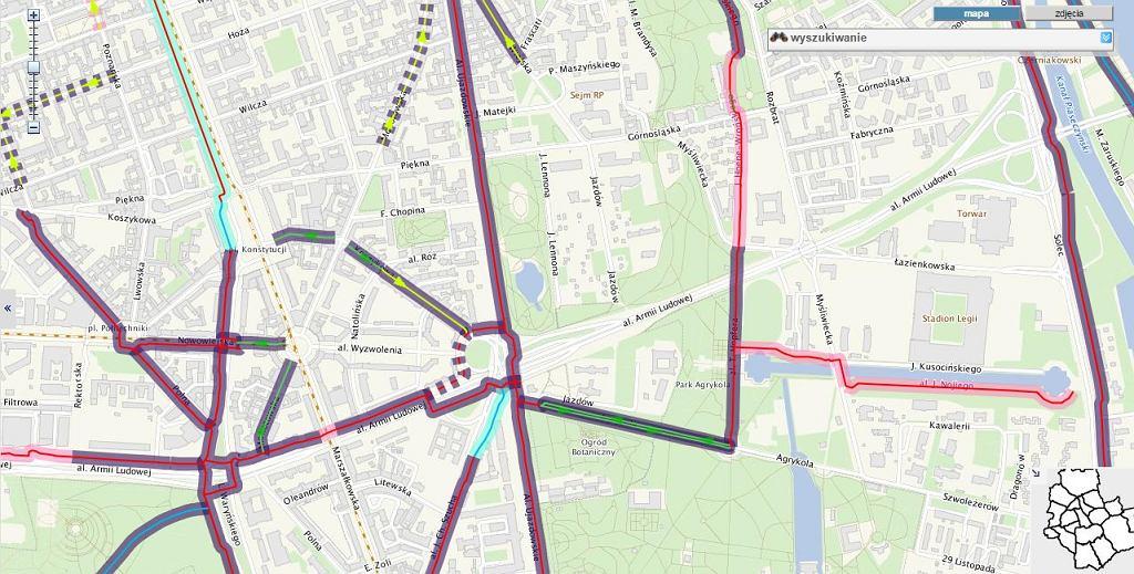 Mapa ścieżek rowerowych w pobliżu placu na Rozdrożu, Warszawa / screen z http://www.mapa.um.warszawa.pl/
