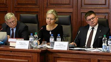 Członkowie komisji śledczej dot. Amber Gold od lewej:Marek Suski , Małgorzata Wassermann i Tomasz Rzymkowski, 24 października 2017.