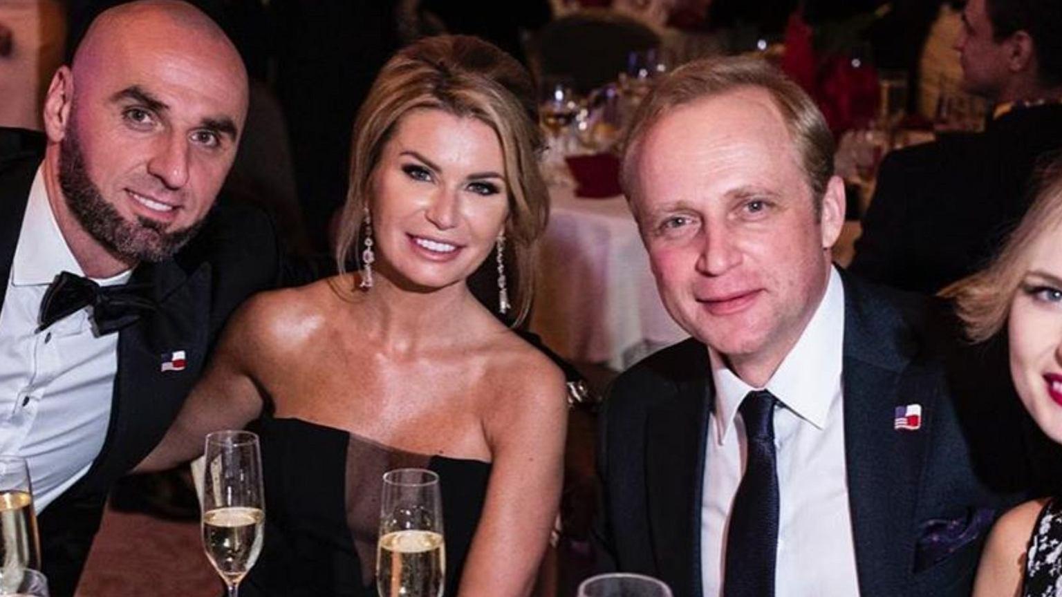 Marcin Gortat zaprosił na swój bal same gwiazdy. Wśród nich Piotr Adamczyk z żoną. To dosyć niecodzienny widok