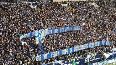 Kolejny skandal w Bundeslidze. Obraźliwe transparenty kibiców Schalke