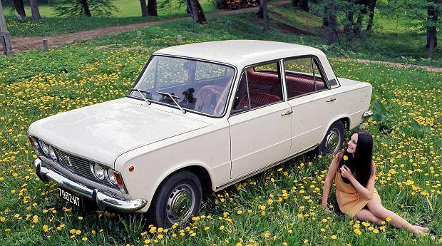 Sesja zdjęciowa do reklamy katalogowej samochodu Fiat 125p, Warszawa, 1971.