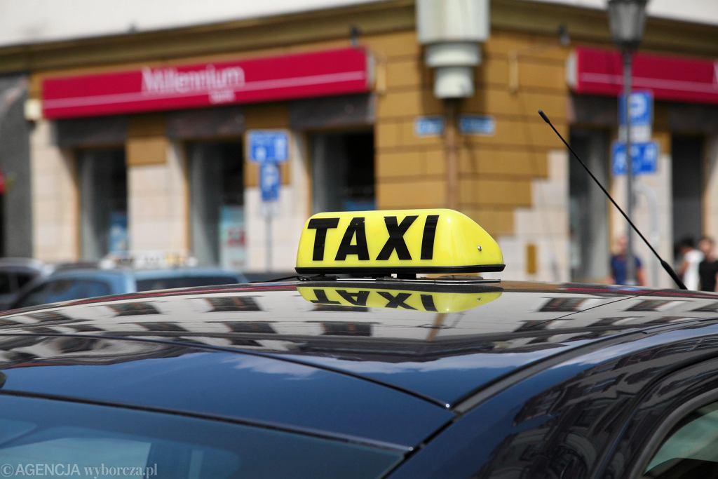 Hamburg. Młodzi rodzice zapomnieli noworodka z taksówki. Zauważył je dopiero następny pasażer