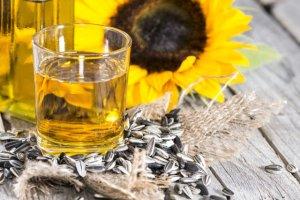 Płukanie ust olejem (ssanie oleju): czy warto stosować tę metodę