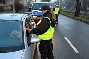 Ostrzejsze kary dla kierowców i wyższe mandaty. Za jazdę po alkoholu albo bez prawa jazdy więzienie bez zawieszenia? Jak odzyskać zabrane prawko?