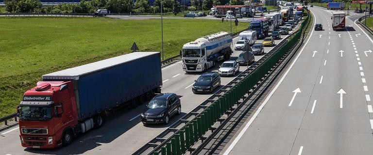 Duży korek na A4. GDDKiA zaleca kierowcom jechać przez Wrocław