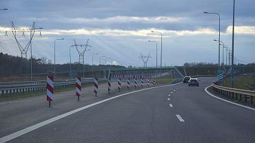 Obecny koniec drogi S6/ Tu ma zacząć się zachodnia obwodnica Szczecina. Węzeł z S3 jest już na nią przygotowany