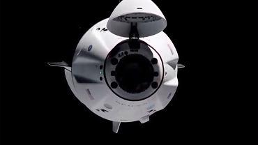 Astronauci w Crew Dragon szczęśliwie dotarli do celu. Po drodze minęli niezidentyfikowany obiekt