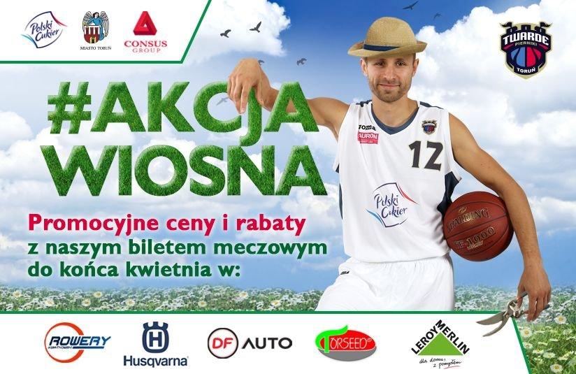 Plakat promocyjny Twardych Pierników SA. W roli modela - obrońca drużyny, Łukasz Wiśniewski