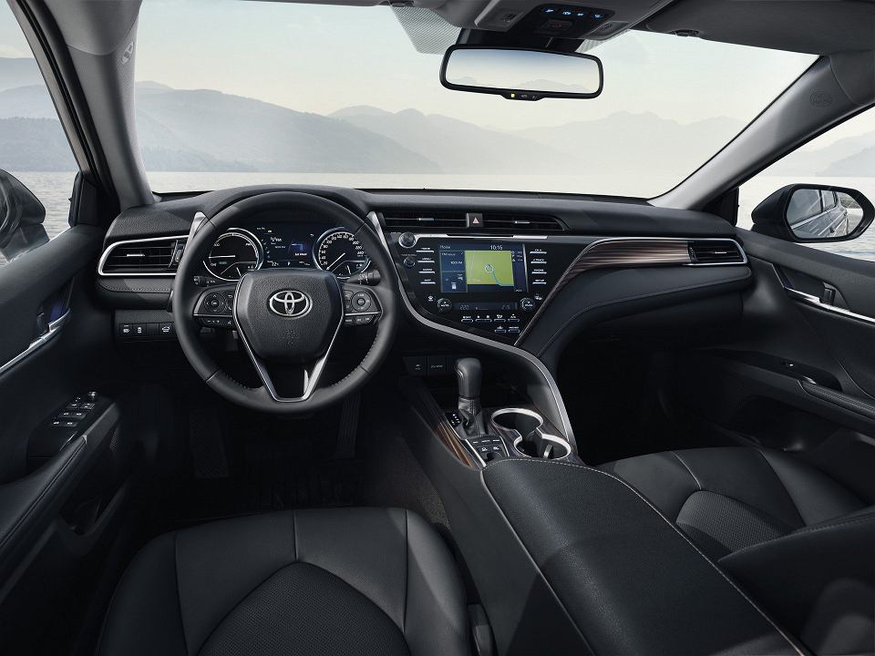 Toyota camry cennik