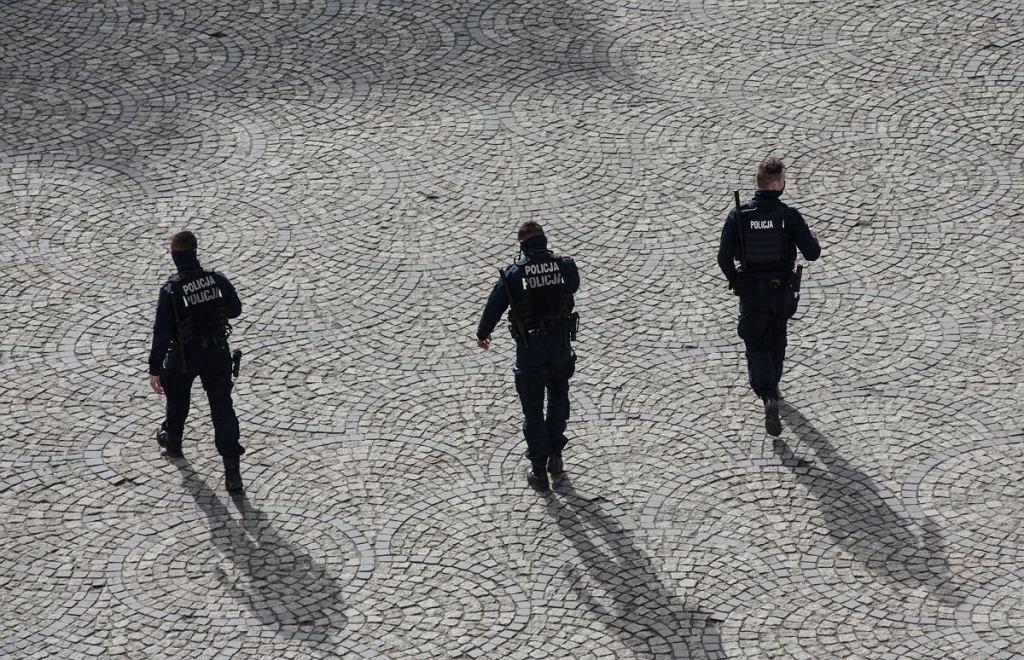 Komenda Główna Policji obniża wymogi sprawnościowe dla funkcjonariuszy - informuje 'Rzeczpospolita'