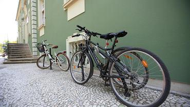 Czy można wypić piwo na rowerze? Najgorszą karę zlikwidowano, ale i tak tego nie rób