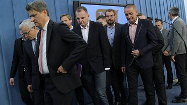 26 września 2014 r. Janusz Palikot i posłowie Twojego Ruchu podczas konferencji prasowej po odejściu 14 posłów