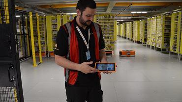 Sean McFadzean, inżynier w Amazon Robotics w Manchesterze