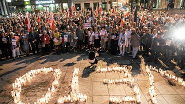 Szósty dzień protestów przeciw pisowskim ustawom ograniczającym niezależność sądownictwa. Lublin, Plac Konstytucji 3 maja, 23 lipca 2017