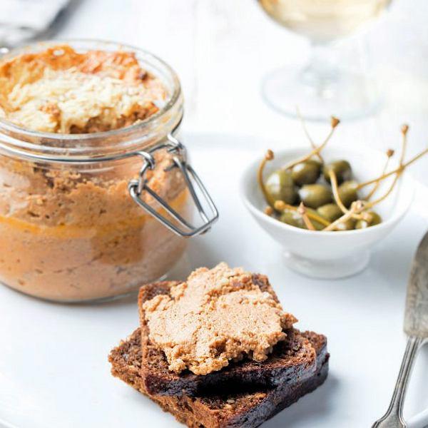 Francuskie rillettes, czyli smarowidło do pieczywa z kawałkami mięsa