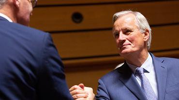 Michel Barnier podczas negocjacji w Luksemburgu