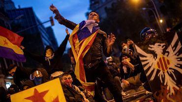 Barcelona. Strajk generalny przerodził się w zamieszki