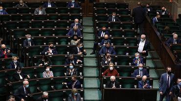 Sejm przegłosował uchwałę popierającą weto ws. praworządności