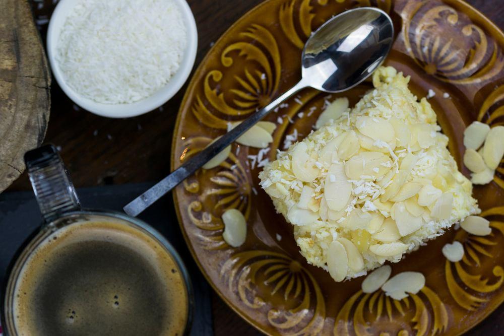 Ciasto rafaello to idealny przepis zarówno na przyjęcie, jak i wtedy, gdy po prostu mamy ochotę na coś słodkiego na podwieczorek