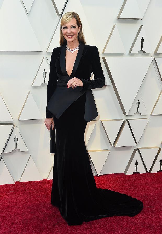 Allison Janney  sukni Roger Vivier