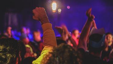 Francja. 500 osób na nielegalnej imprezie w Marsylii (zdjęcie ilustracyjne)