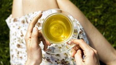 Czy w ciąży można pić zieloną herbatę? To dylemat wielu przyszłych mam