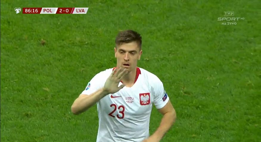 Krzysztof Piątek podczas meczu z Łotwą