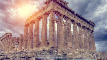 Bogowie greccy i ich atrybuty. Grecy chętnie umieszczali postacie bogów w przyczółkach świątyni. Partenon/Zdjęcie ilustracyjne