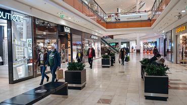 Galerie handlowe już bez najazdu klientów. Odwiedzamy je znacznie rzadziej niż przed rokiem