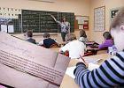 Nauczycielka chciała, żeby dziecko przyniosło do szkoły klej w sztyfcie. Odpowiedź matki? Dosadna