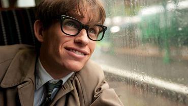 Eddie Redmayne jako Stephen Hawking w ''Teorii wszystkiego''